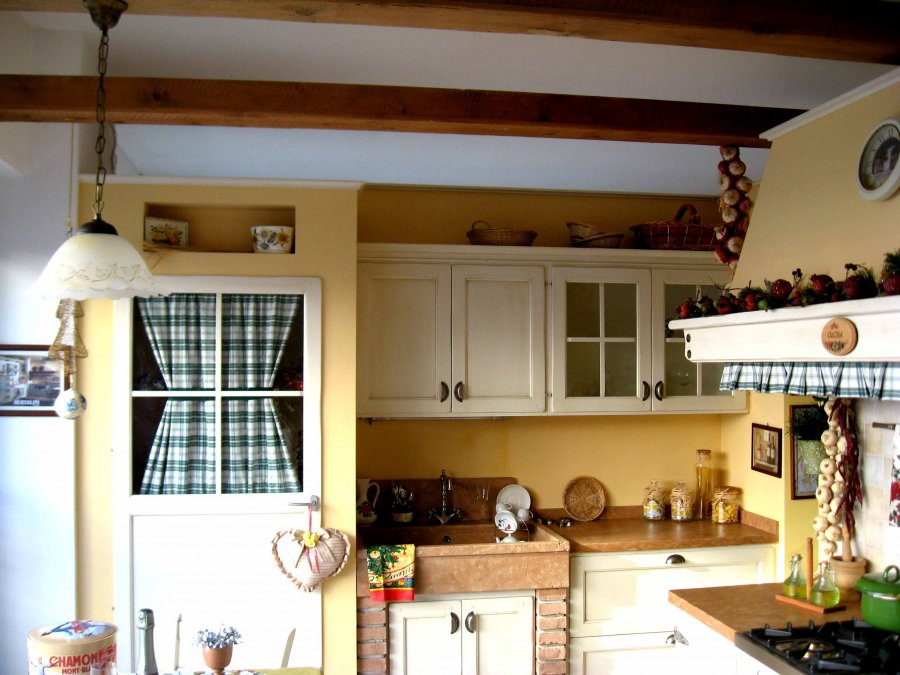Pin cucine country cucina muratura foto immagini genuardis portal on pinterest - Foto cucine country ...